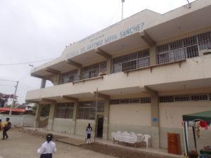 Die Escuela von außen